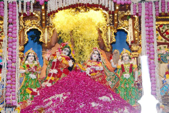 25th anniversary celebrations at Radha Gopinath temple